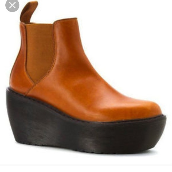 3e8ba130217 Dr marten aerial Chelsea boot platform wedge brown